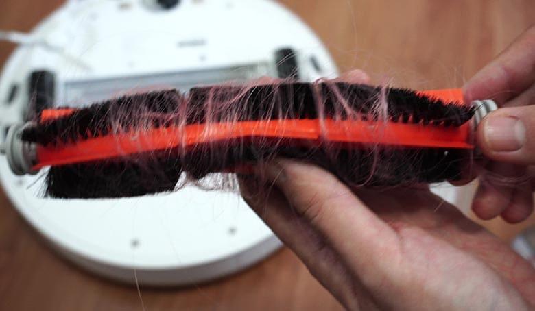 Dreame D9 hair on brush roll