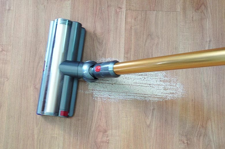 Dyson V11 Outsize sand on hard floor after initial pass