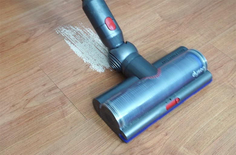 Dyson V15 trail of sand after forward pass using high torque tool