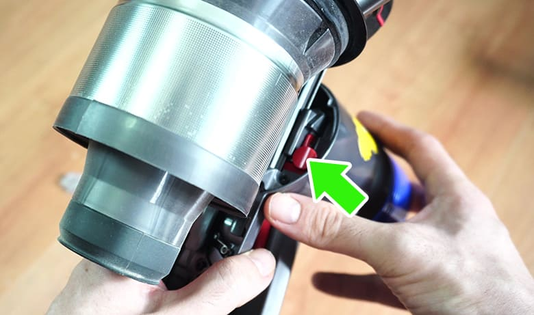 Removing Dyson V8 cyclone assembly