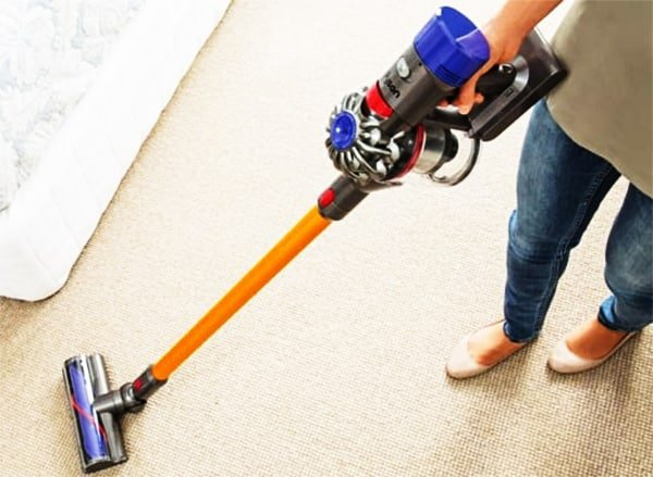 Dyson V8 Absolute Cordless Vacuum Review A V6 On Steroids