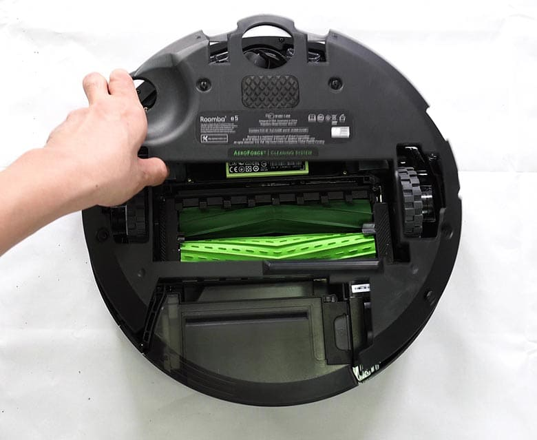 Roomba E5 reattaching base plate