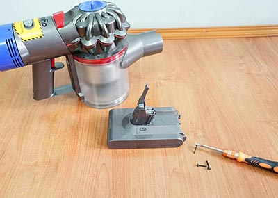 How to replace Dyson V8 battery