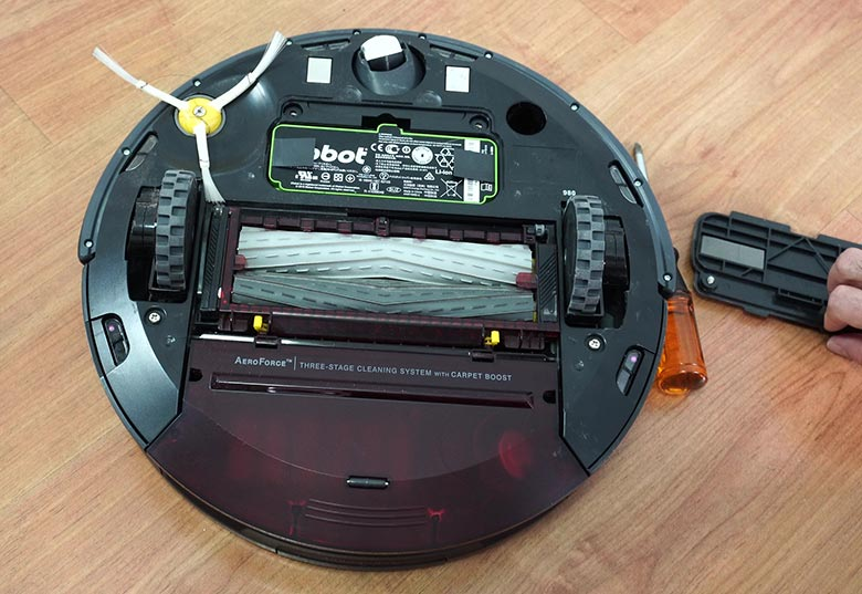 Replace Roomba 980 step 2