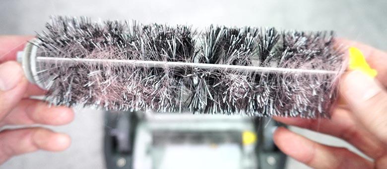 Roomba 690 hair on brush