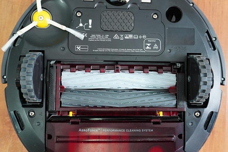 Roomba 960 extractors