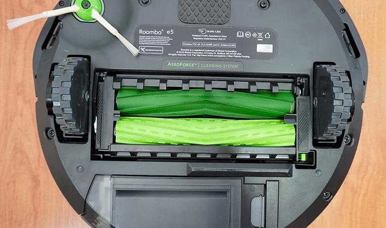 Roomba E5 extractors