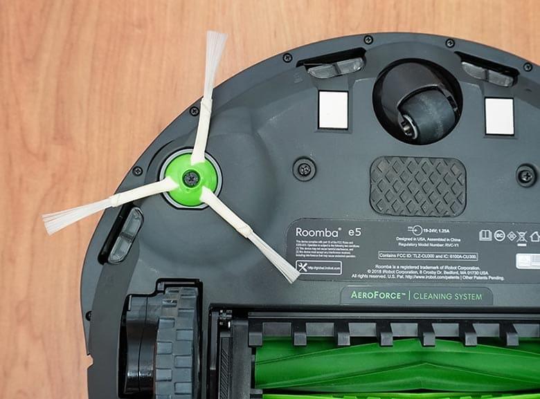 Roomba E5 side brush