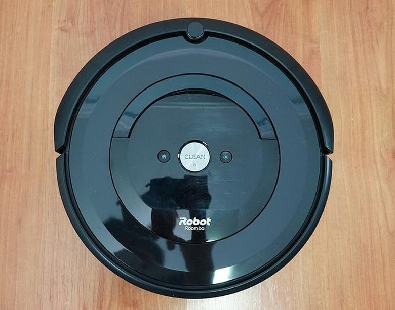 Roomba E5 top