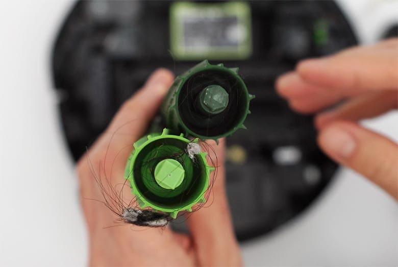 Roomba I3 extractors axle