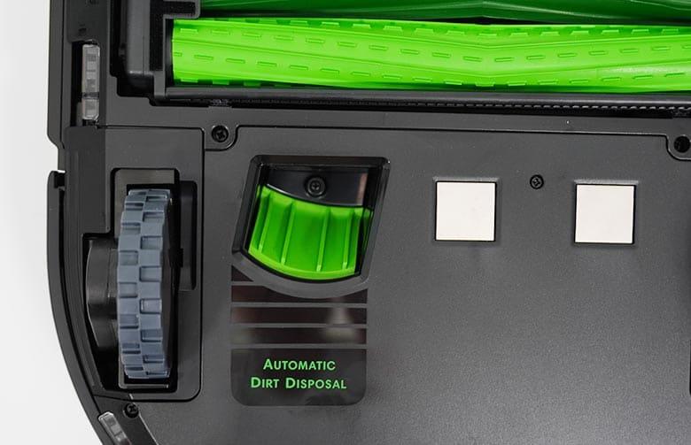 Roomba S9 auto dirt disposal port