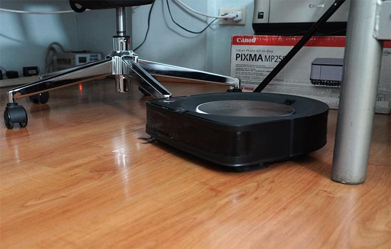 Roomba S9 office chair