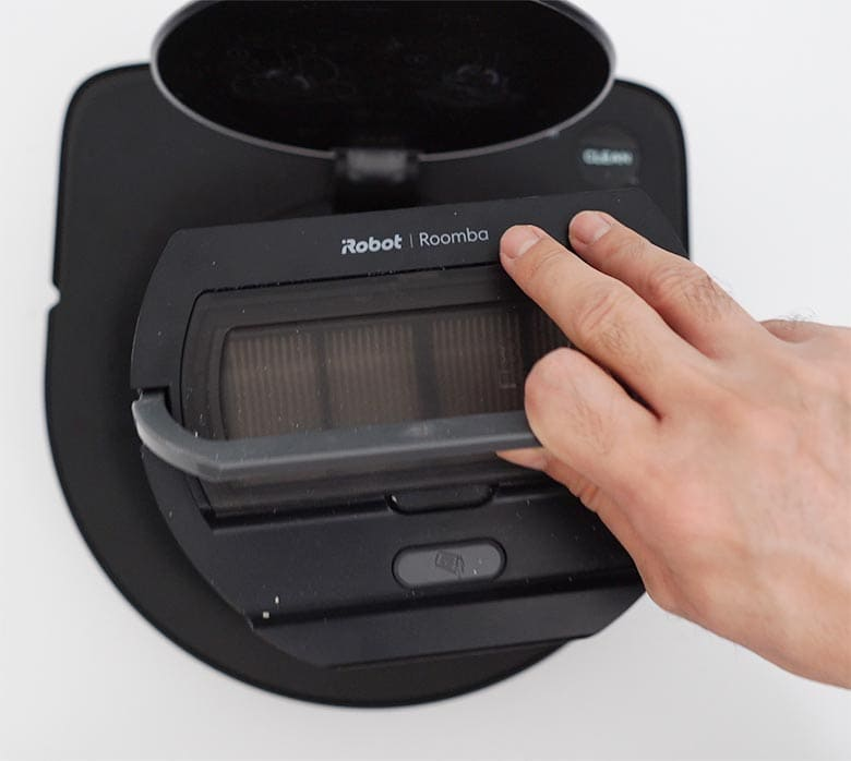 Roomba S9 pull dustbin out