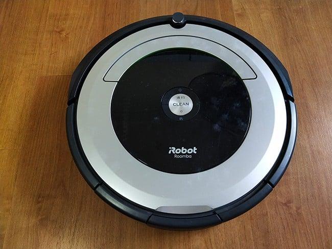 Roomba 690 vs  960: Comparing Two iRobot Generations