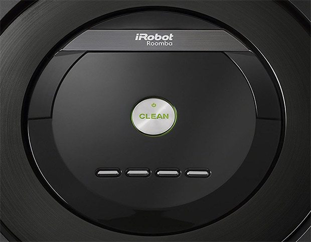 irobot reduced the number of buttons in the 880 from 8 it was down to just 5 you can still schedule through the interface on the robot but it also has a - Irobot Roomba 650