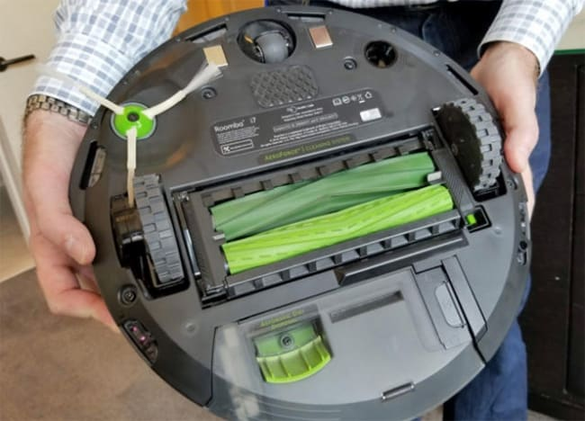 Irobot Roomba I7 Review This Robot Will Empty The Bin For You