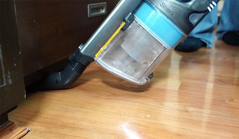 Shark Vertex Cordless under appliance tool