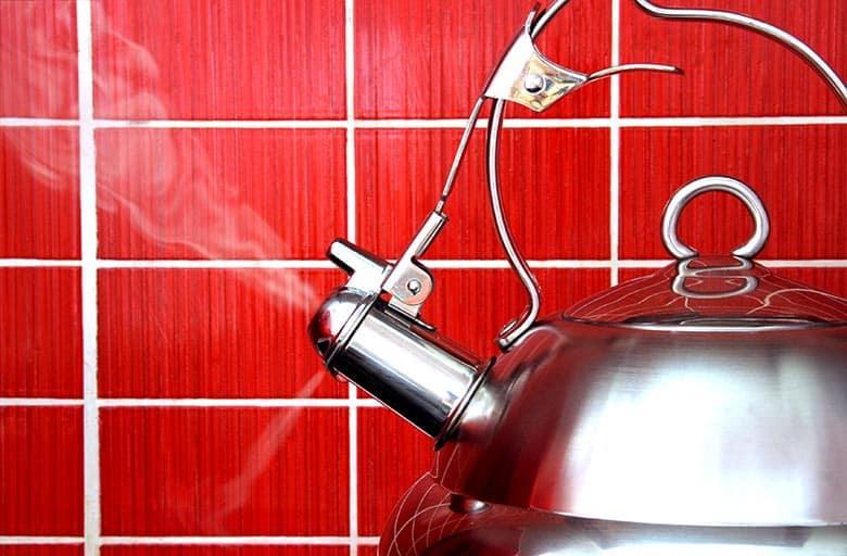 Using vinegar to clean steel kettle