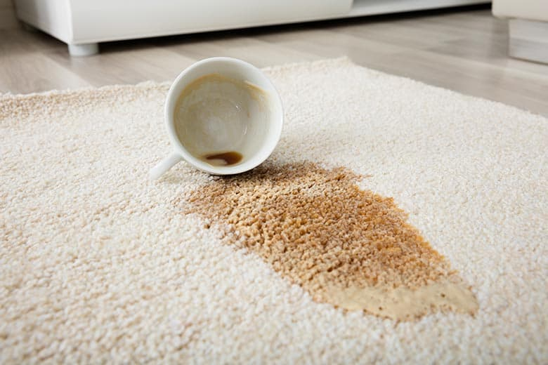 Using vinegar to remove coffee stains